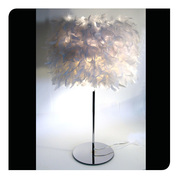 lampe cygne avec plumes blanches lumi res du monde paris. Black Bedroom Furniture Sets. Home Design Ideas